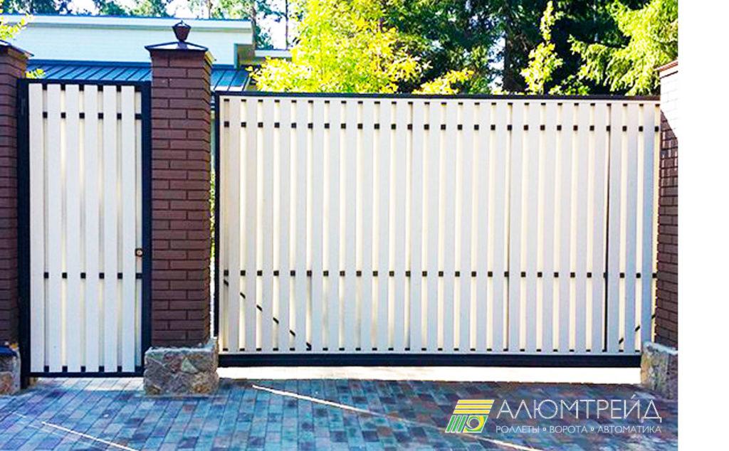 откатные ворота из террасной доски